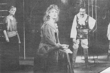 Сцена из спектакля. Открытый театр. Фото В. Васильева