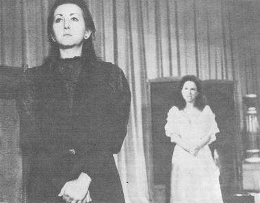 Е. Ефимович (Ольга), М. Рубина (Наташа). Фото В. Дюжаева