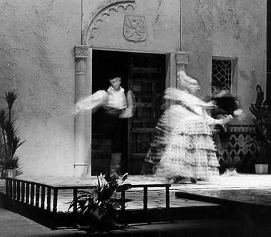 «Учитель танцев».  Сцена из спектакля. Фото Ф.Гарифуллина