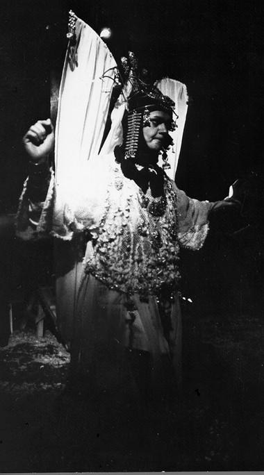 И.Блинова (Тамара). «Демон». Фото В.Соколова