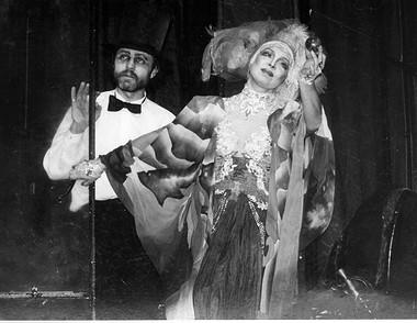 А.Павельев (Тригорин), И.Джапакова (Аркадина). «Чайка». Фото изархива театра