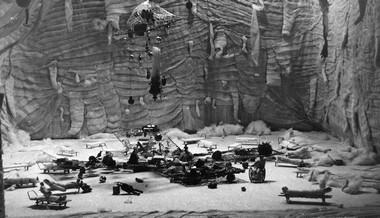 М.Китаев. «Приключения Билли Пилигрима». Макет оформления спектакля. Фото изархива автора