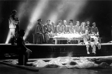 Сцена из спектакля. Фото Ю.Белинского