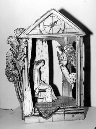 Н.Савинова. Благовещенье. Часы. Фарфор. Роспись. Фото из музея А.А.Ахматовой