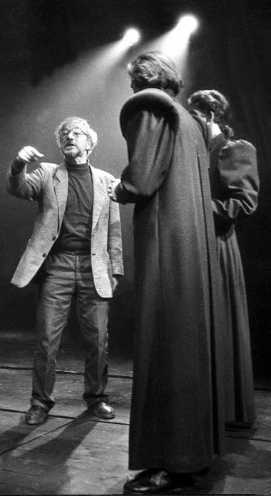 В.Фильштинский на репетиции. Фото Г.Седовао