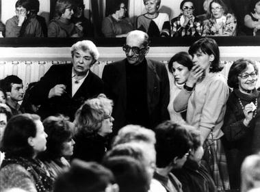 Г.А.Товстоногов и Д.М.Шварц в зале. 70-е годы. Фото из семейного архива