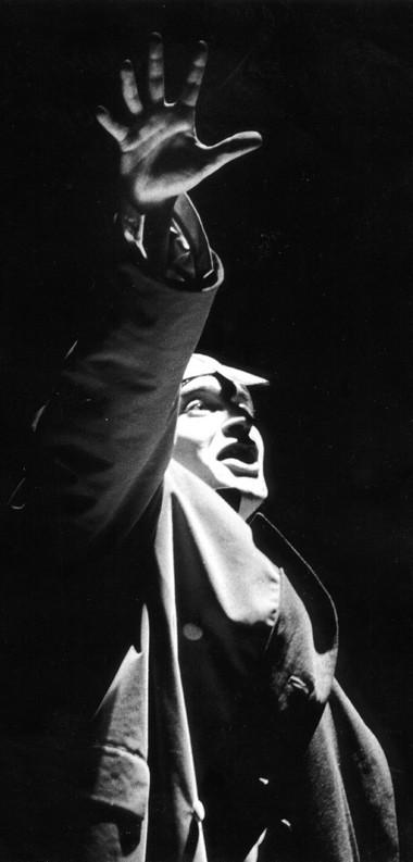 К.Хабенский (Калигула). «Калигула». Театр им. Ленсовета. Фото В.Васильева