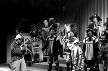Сцена изспектакля «Конек-Горбунок». Фото изархива театра