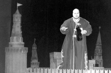 С.Лядов (Шуйский). «Борис Годунов». Санкт-Петербург опера. Фото изархива автора