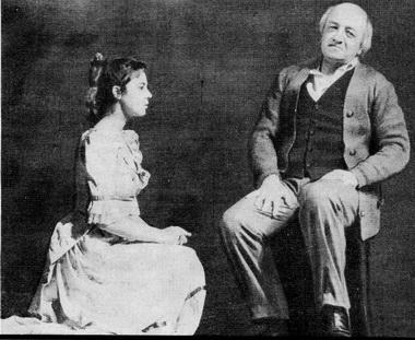 Ю. Соколова (Верочка) и В. Кузин (Оброшенов). Фото В. Красикова