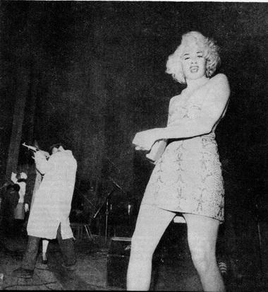 В.Мамышев - Монро участвует в «Поп-механике». 1989 г. Фото А.Усова