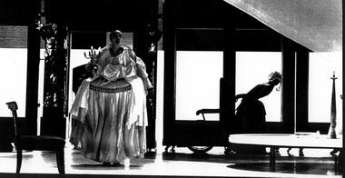 П.И.Чайковский. «Пиковая дама». Немецкий национальный театр. Веймар, Германия, 1996г. Фото Х. Брахвиц изархива журнала