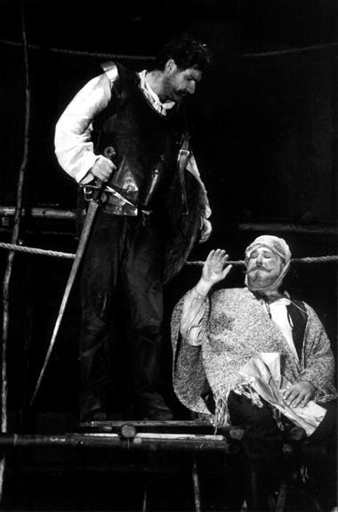 В.Симонов (Санчо Панса), А.Калягин (Дон Кихот). Фото Ш. Измайлова