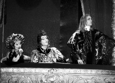 Т.Куинджи (Шемаханская царица), О.Рябец (Петушок), М.Серышев (Звездочет). «Золотой петушок». «Геликон-опера». Фото В. Лапина