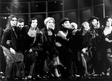 «Травиата». Сцена изспектакля. Театр «Новая опера». Фото М. Гутермана