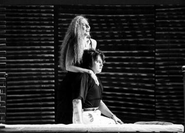 М.Пруденская (Кармен), М.Урусов (Хосе). Фото Г. Несмачного изархива театра