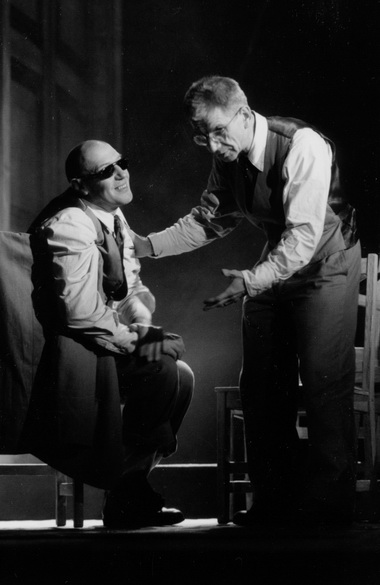 С.Дрейден (Шмуэль Спрол), В.Захаров (Йоханаан Цинбербай). Фото изархива театра
