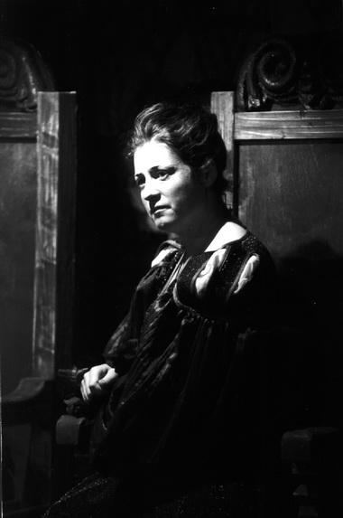 А.Реэманн (Гертруда). Фото изархива театра