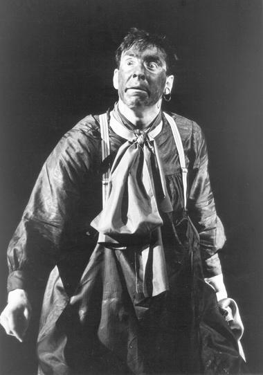 М.Вассербаум в спектакле «Фарсы». Театр «Фарсы». Фото из архива театра