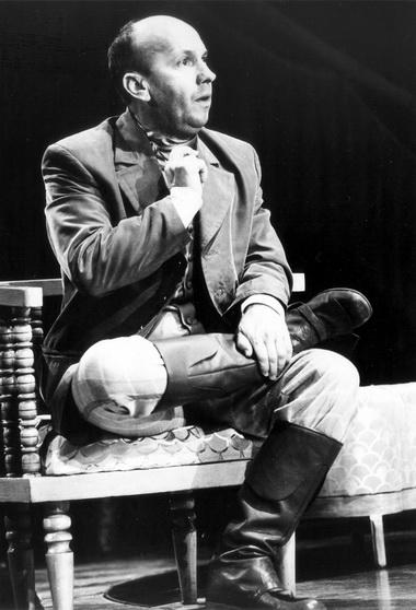Е.Смирнов (Мурзавецкий). «Волки и овцы». Фото из архива театра
