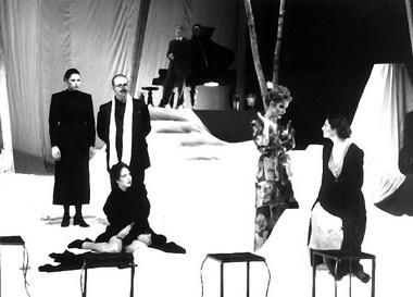 А.П.Чехов. «Три сестры». Режиссер Петер Телихаи. Сцена из спектакля. Фото из архива автора
