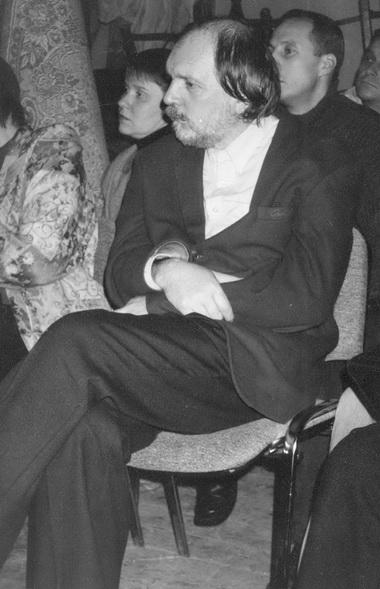 Директор фестиваля О.Лоевский иногда ходил наспектакли. Фото М. Дмитревской