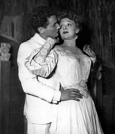 Э.Фейер (Изе), Ж.-Л. Барро (Меза). Театр Мариньи. 1948г. Фото изархива автора