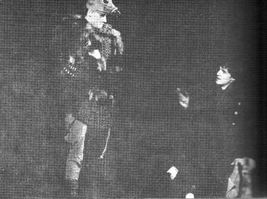 А. Рязанцев (герцог Ольбанский) иА.Медведев (Эдмунд). Фото В. Васильева