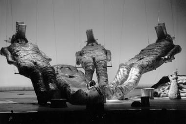 Сцена из спектакля «Зигфрид». Фото из архива театра