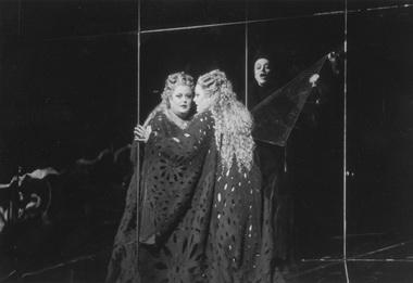 Сцена из спектакля «Женщина без тени». Фото из архива театра