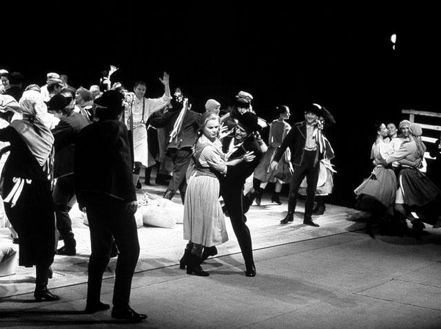 Сцена изспектакля «Енуфа». Фото изархива театра