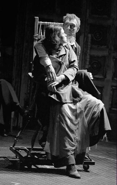 М.Окунев (Король), Л.Свиркова (Джульетта). «Король умирает». ФотоА.Кудрявцева