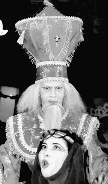 «Турандот». Сцена изспектакля. Молодежный театр (Ташкент). Фото изархива фестиваля