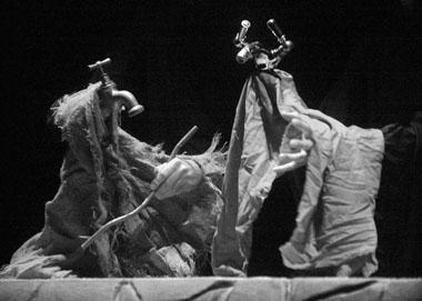 «Скупой».Сценаизспектакля. ТеатрTabolaRassa(Испания). ФотоА.Танарро