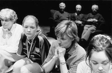 «Girlpower». Сцена изспектакля. Бакка-театр (Швеция). Фото изархива фестиваля