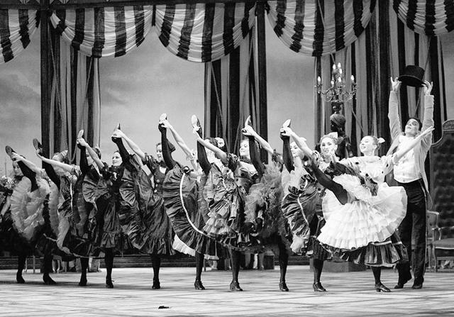 Вверху справа:А.Петухов(Козельков). «Болт». ФотоМ.Логвинова