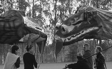 «Львы идраконы». Театр«Черноеибелое»(Иматра). Фотоизархивафестиваля