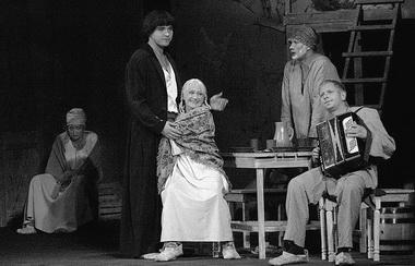 «Недоросль». Сцена из спектакля. Кемеровский театр драмы. Фото из архива театра