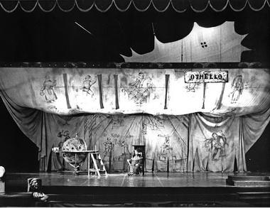 «Гамлет». Российский академический театр драмы им. А. С. Пушкина. 1992 г. Режиссер Р. Горяев