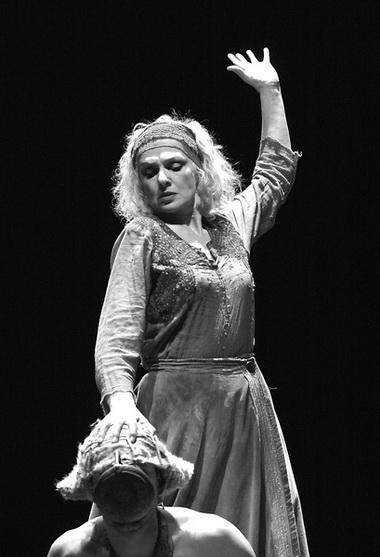 Е. Немзер (Иокаста). «Эдип-царь». Театр на Литейном. Фото Ю. Белинского