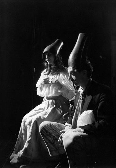М. Солопченко, В. Кухарешин в спектакле «ЖенитьбаГоголя». Белый театр. Фото из архива актрисы