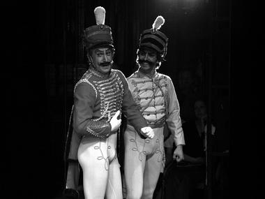 «Привал кавалерии». Сцена из спектакля. Фото В. Диже