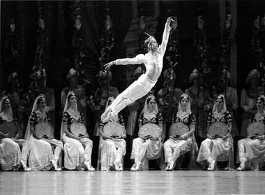 Л. Сарафанов (Солор). «Баядерка». Фото из архива автора