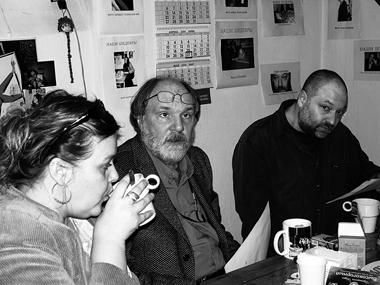 Члены жюри конкурса современных пьес Г.Бызгу, О.Лоевский, А.Праудин обсуждают итоги. ФотоМ.Дмитревской