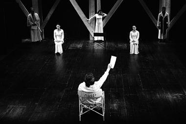 «Король Лир». Сцена изспектакля. МДТ—ТеатрЕвропы. ФотоВ.Постнова
