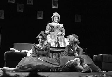 Сцена изспектакля. Фото изархива театраа