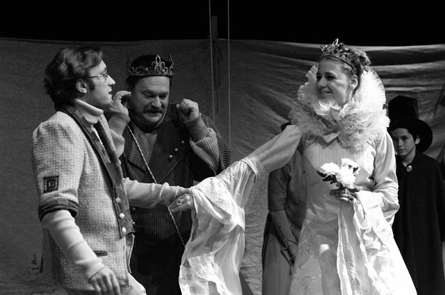 «Король Дроздобород». Сцена изспектакля. Фото С. Красия