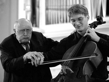 М.Ростропович вСанкт-Петербургской консерватории.