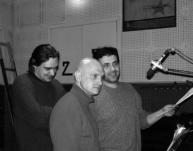И. Латышев (Беглар), А. Девотченко (Конферансье), А. Баргман (Бабахиди) на записи фонограммы спектакля. Фото М. Дмитревской