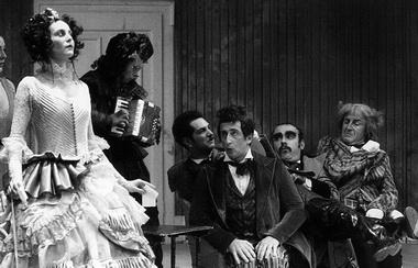 «Женитьба». Национальный театр драмы (Белград, Сербия). Фото из архива фестиваля